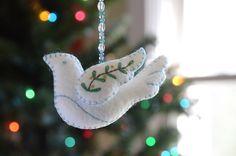 Peace Dove Ornament PDF PATTERN por betzwhite en Etsy