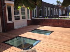 Terras and basement windows Townhouse Exterior, Window Well, Basement Windows, Roof Window, Secret Rooms, Flat Roof, Glass House, Windows And Doors, Home Projects