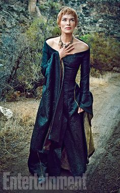 Game of Thrones: Lena Headey as Cersei Lannister for Entertainment Weekly Lena Headey, Entertainment Weekly, Game Of Thrones Saison, Hbo Game Of Thrones, Game Of Thrones Dress, Ray Donovan, Got Costumes, Movie Costumes, Character Costumes