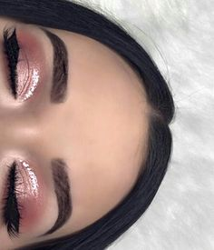 Related posts: subtle silver smokey eye makeup 23 Glam Makeup Ideas for Christmas 2017 Blue Eye Make-up für blaue Augen Gold gliter and black eye makeup with red lips Glam Makeup, Formal Makeup, Pink Makeup, Cute Makeup, Gorgeous Makeup, Eyeshadow Makeup, Hair Makeup, Copper Eyeshadow, Sparkle Makeup