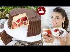 Nice Patrocinio shared a video Just Desserts, Dessert Recipes, Yummy Drinks, Yummy Food, Strawberry Recipes, Something Sweet, Party Cakes, Food Hacks, Sweet Recipes