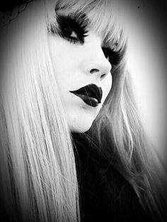 Beautiful and Goth!! she's everything I wanna be!!