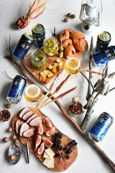冬の家バルスタイルフォト インスタごはん。 レシピブログ Olive Boards, Tapas Recipes, Cheese, Food, Table, Meals, Desk, Tabletop, Desks
