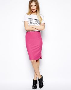 :I really like this look as a black pencil skirt and a white ripped sleeveless t-shirt