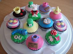 Alice-themed cuppy's