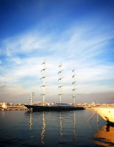 sea side, Thens Greece, Shiny gold easy action, fashion blog, landscape, stylentonic, beauty, boat lover