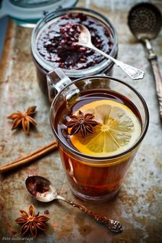 Winter tea - Tea with raspberry jam - Healthy Drinks - Mini Desserts, Momento Cafe, Grog, Fruit Tea, Cuppa Tea, Sweet Tea, Tea Recipes, Pinterest Board, Drinking Tea