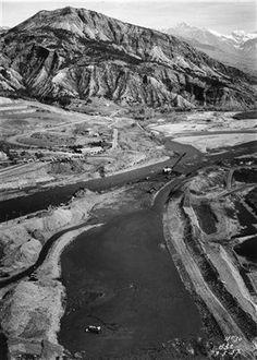 1955-1961 Chantier de la construction du barrage de Serre-Ponçon http://fr.wikipedia.org/wiki/Lac_de_Serre-Pon%C3%A7on