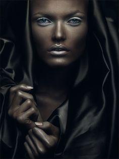 Portrait - Fashion - Black - Photography