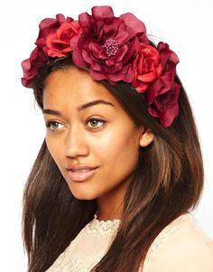 Венок на голову из красных цветов RiverIsland - Для женщин - Ювелирные изделия и часы - брендовая одежда River Island - интернет магазин, к...