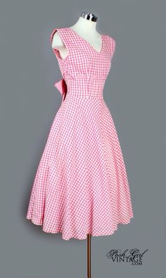 1950's Pink & White Gingham Fit & Flare Petticoat Dress/Pretty summer dress