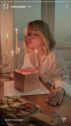Birthday Girl Pictures, Birthday Photos, Bday Girl, Insta Photo Ideas, Instagram Story Ideas, Cute Cakes, Aesthetic Girl, Blonde Aesthetic, Aesthetic Pictures