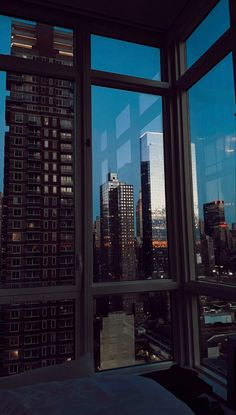 Night Aesthetic, City Aesthetic, Travel Aesthetic, New York Life, Nyc Life, Aesthetic Backgrounds, Aesthetic Wallpapers, Apartment View, City Vibe