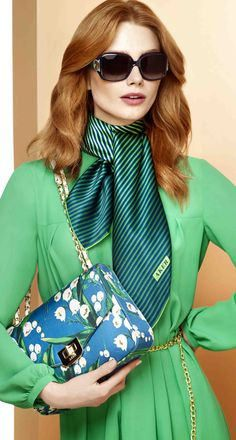 The green lantern Love Fashion, Vintage Fashion, Fashion Outfits, Womens Fashion, Fashion Trends, Hijab Style, Scarf Dress, How To Wear Scarves, Scarf Styles