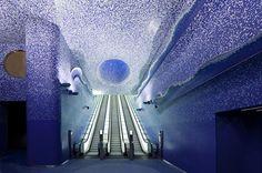 Train station in Naples, Italy-La station de métro Toledo de Naples,