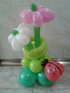 Cvjetna dekoracija od balona Balloon flower decoration