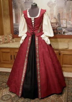 Renaissance Gown / Pirate Dress for Abby's field trip in the spring PINNED from Costuming & glitter Lori Diana Hunt Costume Renaissance, Medieval Costume, Renaissance Fashion, Renaissance Clothing, Medieval Dress, Renaissance Fair, Old Dresses, Vintage Dresses, Vintage Outfits