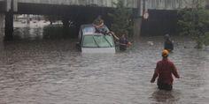 Përmbytjet në Stamboll bllokojnë transportin