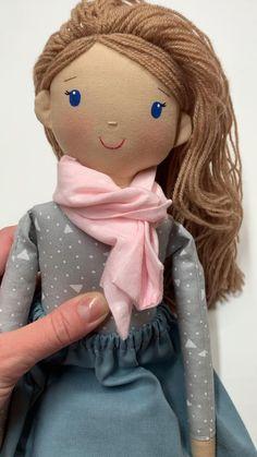 Heirloom cloth doll with the set of clothes Fabric Doll Pattern, Doll Sewing Patterns, Sewing Dolls, Doll Clothes Patterns, Fabric Dolls, Owl Sewing, Diy Rag Dolls, Diy Doll, Rag Doll Tutorial
