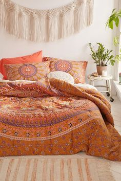 Jiya Medallion Comforter - Urban Outfitters: I like this pattern. Just the comforter in king size. If it comes with sheets, then queen. Orange Comforter, Bed Comforter Sets, Boho Comforters, Boho Bedding, Bohemian Comforter Sets, Hippie Bedding, Cotton Bedding, Bedroom Sets, Home Decor Bedroom