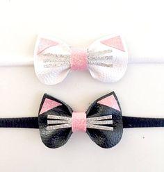 Mini Kitty clip or diadem by KerleyGirls on Etsy Making Hair Bows, Diy Hair Bows, Diy Bow, Felt Headband, Baby Headbands, Diy Accessoires, Barrettes, Hairbows, Creation Couture