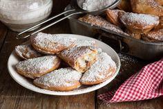 CASSATELLE SICILIANE CON LA RICOTTA, una ricetta antica! Cheesecake Desserts, Party Desserts, Dessert Party, Cream Puff Recipe, Sicilian Recipes, Frittata, Mousse, Biscuits, French Toast