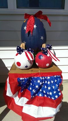 Patriotic Pumpkins Patriotic Crafts, Patriotic Decorations, Fall Decorations, Halloween Decorations, Pumkin Decoration, No Carve Pumpkin Decorating, Pumpkin Carving, Holidays Halloween, Halloween Ideas