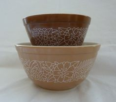 Vintage Pair of Pyrex Mixing Bowls - Woodland Pattern - Retro Kitchen - Collectible Pyrex Mixing Bowls, Woodland, Retro, Tableware, Unique Jewelry, Handmade Gifts, Kitchen, Pattern, Vintage