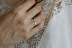 Gabriela Artigas -> white diamond + yellow band