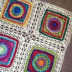 Transcendent Crochet a Solid Granny Square Ideas. Inconceivable Crochet a Solid Granny Square Ideas. Joining Crochet Squares, Crochet Blocks, Love Crochet, Knit Crochet, Crochet Afghans, Crochet Blankets, Beautiful Crochet, Crochet Crafts, Crochet Projects