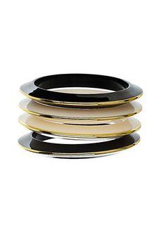 Plastic bangle wristwear pack
