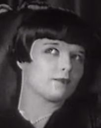 Louise Brooks with a silly look on her face