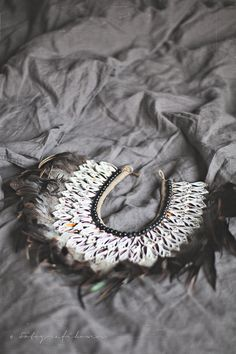 ♥ Feather Crown, Brown And Grey, Bali, Crochet Earrings, Jewels, Pure Products, Accessories, Fashion, Hipster Stuff