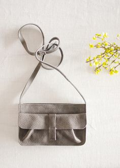 Webshop - Keecie Stylish and comfortable shoulderbag for every day. Grey Brown