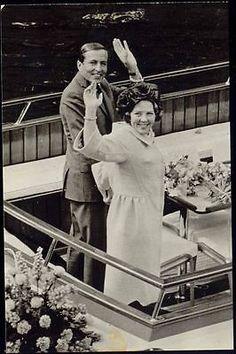 Dutch-Princess-Later-Queen-Beatrix-with-Prince-Claus-von-Amsberg-1965-RPPC-2