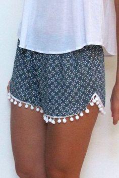 Tiny Floral Print Irregular Hem Laciness Shorts