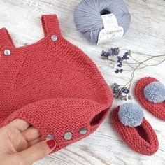 Diy Crafts Knitting, Knitting For Kids, Baby Knitting Patterns, Baby Patterns, Free Knitting, Diy Crochet, Hand Crochet, Crochet Bikini, Baby Ruffle Romper