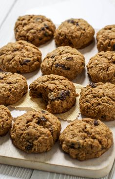Pumpkin + Oatmeal Toddler Cookies — These sound yummy! They have some sugar, so it would be a treat. I would leave out the raisins and maybe sub with chocolate chips. Toddler Cookies, Toddler Snacks, Baby Snacks, Pumpkin Oatmeal Cookies, Favorite Cookie Recipe, Favorite Recipes, Baby Food Recipes, Toddler Recipes, Kid Recipes