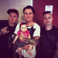 Zacky V, Syn Gates, Johnny Christ and a baby......