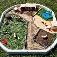 Mini monde La ferme 🐖🐑🐔🐄🐎🦆🌾 . Un des thèmes que j'étais le plus impatiente de réaliser quand j'ai découvert les bacs sensoriels. . J'avoue Farm Activities, Toddler Activities, Zoo Project, Sensory Bins, Toy Boxes, Small World, Diy Toys, Outdoor Decor, Projects