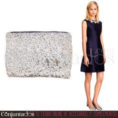 Un #bolso de #mano #plateado facilmente combinable y con un tamaño ideal ★ 9'95 € en http://www.conjuntados.com/es/bolso-de-mano-con-lentejuelas-plateadas.html ★ #novedades #handbag #purse #lentejuelas #paillettes #cartera #bolsodemano #plata #silver #conjuntados #conjuntada #accesorios #complementos #moda #fashion #fashionadicct #picoftheday #outfit #estilo #style #GustosParaTodas #ParaTodosLosGustos