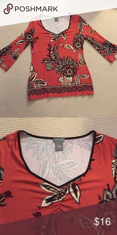 Ann Taylor size medium 3/4 length shirt Ann Taylor size medium 3/4 length blouse. Beautiful fall colors- 95% rayon - 5% spandex. Ann Taylor Tops