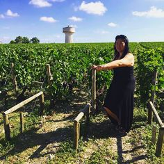 Just 12 days left to submit your photos! Where will you Bar today!? Our client Bettina S. shows us some thigh work in the vineyards in Bordeaux! #barvanwheredoyoubar #barmethod #barmethodvancouver #barmethodwestvancouver #vineyard #workout #fit