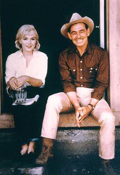"""Clark Gable & Marylin Monroe - """"The Misfits"""" Marylin Monroe, Marilyn Monroe Photos, Hollywood Icons, Golden Age Of Hollywood, Vintage Hollywood, Classic Hollywood, Hollywood Glamour, Clark Gable, The Misfits"""