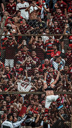 City Wallpaper, Galaxy Wallpaper, Cristiano Ronaldo Portugal, Neymar Football, Cute Lockscreens, Soccer Stadium, Spiderman, Memes, Nike Tenis