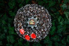 Vianočný veniec U Danky Christmas Bulbs, Holiday Decor, Handmade, Home Decor, Hand Made, Decoration Home, Christmas Light Bulbs, Room Decor, Home Interior Design