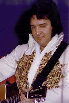 1977 Elvis..............lbxxx.