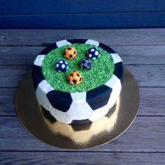 Liljan Lumo: Soccer -cake for 5 year old boy