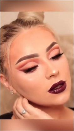42 elegant wedding make-up for the big day 25 - Prom Makeup Contour Makeup, Eye Makeup Tips, Makeup Goals, Makeup Inspo, Makeup Inspiration, Makeup On Fleek, Contouring, Beautiful Eye Makeup, Pretty Makeup