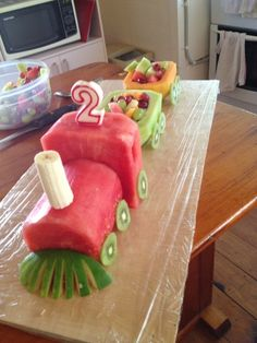This time I didn't do a usual cake- although I have done a number of train cakes in the past. this time I did a fruit train! Idées délicieuses pour servir frutas en charolas o bandejas – Fruit train Wedding party fun ideas dessert tables … Fruit Birthday Cake, Cool Birthday Cakes, Birthday Ideas, Healthy Birthday Cakes, Sons Birthday, Fruits Decoration, Fruit Creations, Creative Food Art, Food Art For Kids